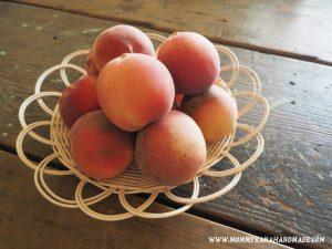 季節の果物の甘さを最大限に活かすお菓子作り。